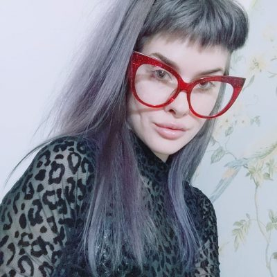 Bold red sparkly glasses from Voogueme.com